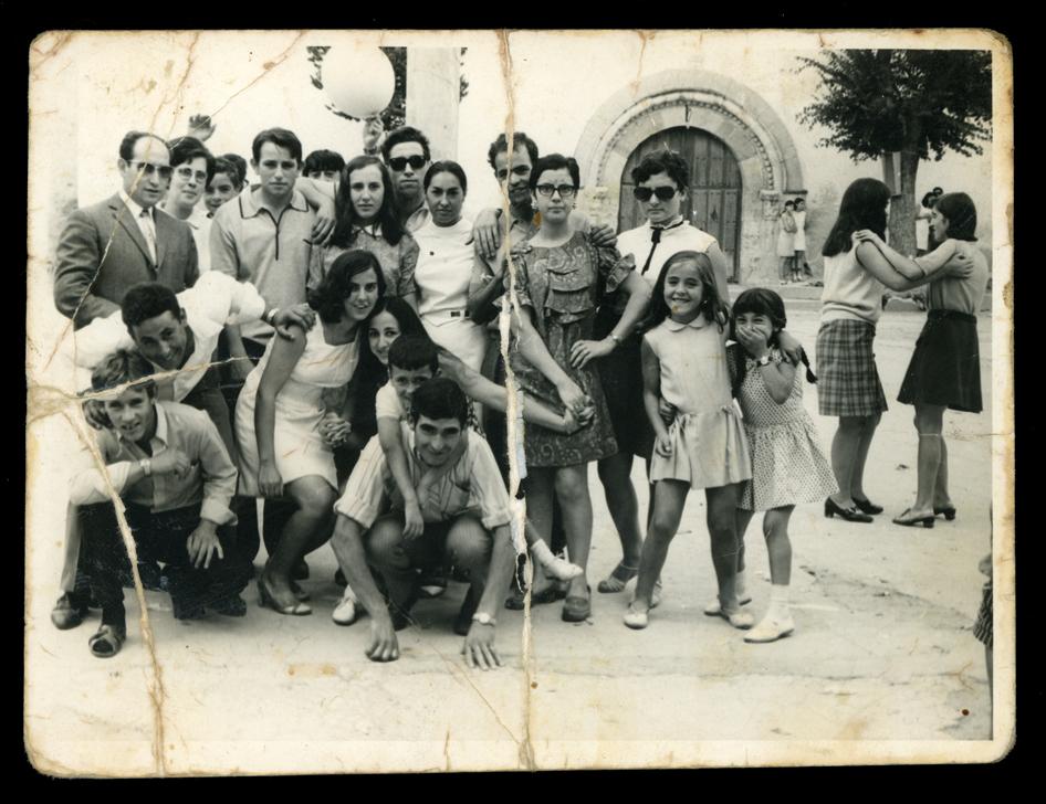 Grupo de jóvenes el día de San Pedro en Paradinas de San Juan