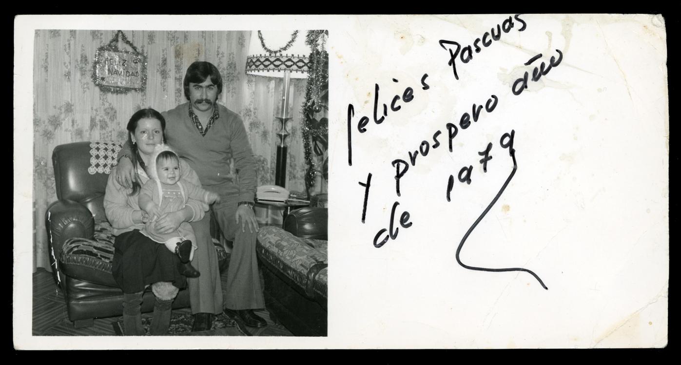Fotografía de familia para felicitación de Navidad en Avilés, Asturias